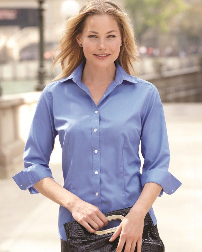 Van Heusen 13V0527 - Ladies' Three-Quarter Sleeve Baby Twill Shirt